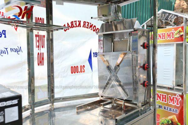 Sản phẩm cũng được thiết kế kèm theo lò nướng thịt từ inox chống gỉ