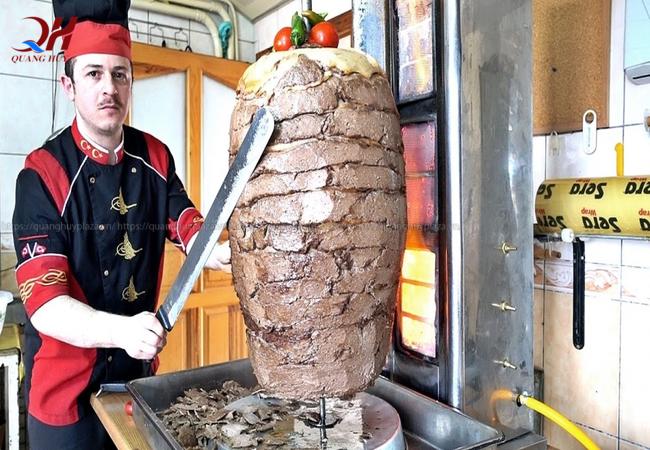 Cây nướng thịt này sẽ là điểm nhấn cho gian hàng của bạn