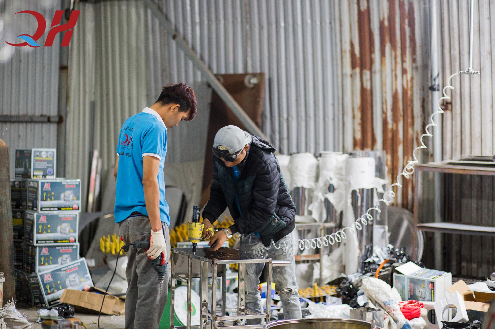 Quang Huy là cơ sở sản xuất xe bánh mì hàng đầu hiện nay