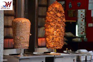 Hãy sử dụng lò nướng chính hãng để có được cây thịt Doner kebab tuyệt ngon