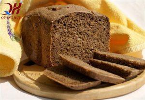Bánh mì đen Hà Nội là món ăn được nhiều người yêu thích