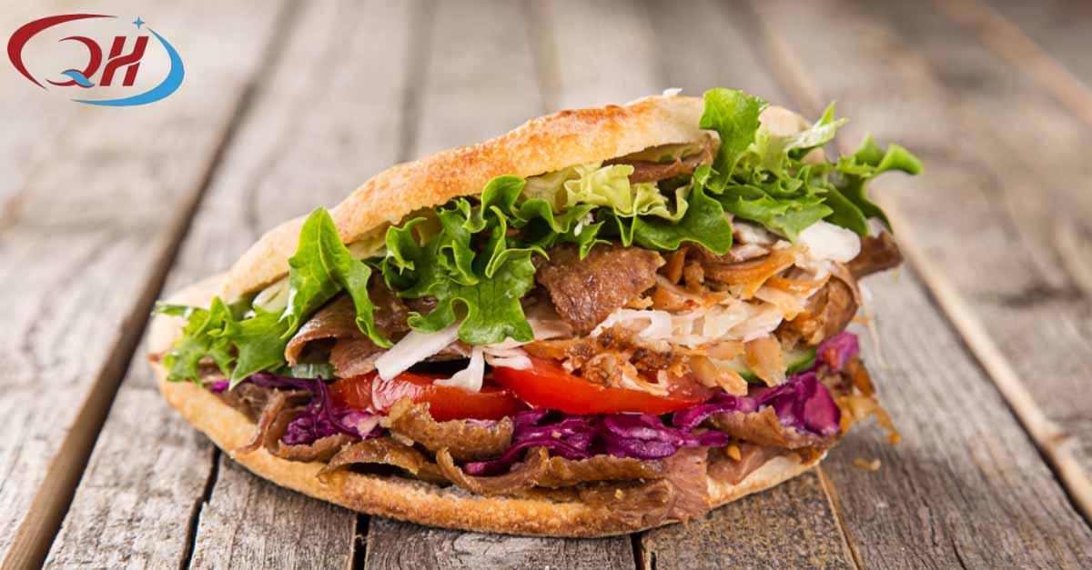 Món bánh mì Thổ Nhĩ Kỳ có nhiều cải tiến khi sang đến Việt Nam