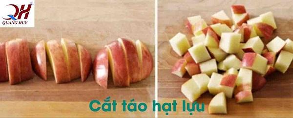Thái táo hạt lựu làm nhân bánh mì táo đỏ