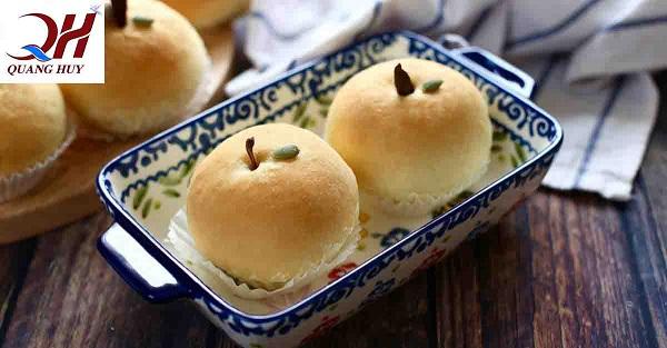 Bánh mì táo đỏ giàu dinh dưỡng và thanh mát với cơ thể