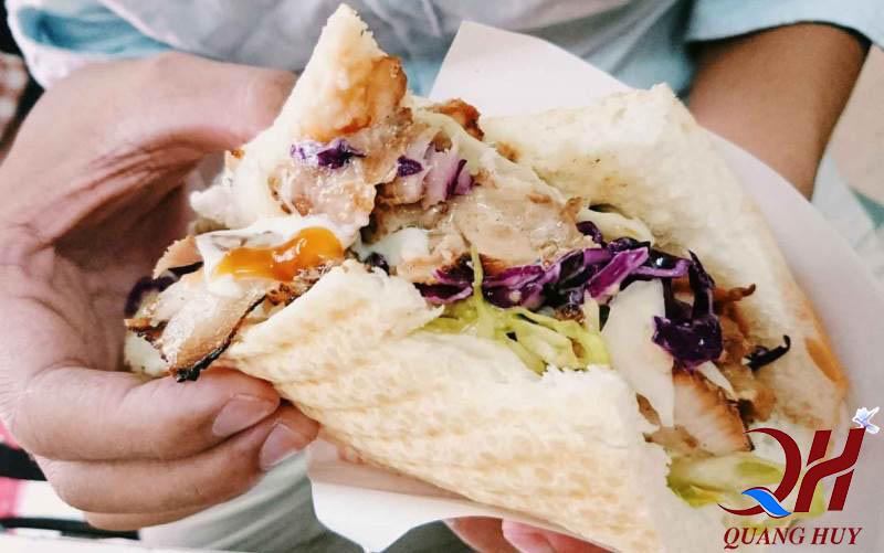 Học cách làm bánh mì tam giác cho cả nhà thưởng thức
