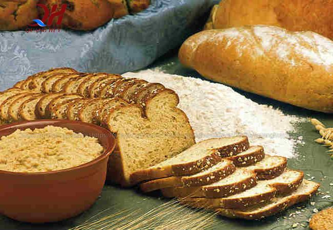 Bánh mì đen được làm từ những nguyên liệu đảm bảo nhất