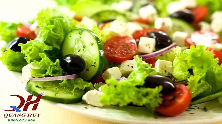 Salad rau mang lại hương vị thanh mát