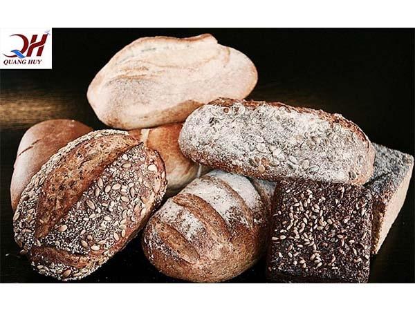 một ổ bánh mì chứa bao nhiêu calo
