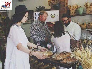 Hướng dẫn cách làm bánh mì đen ngay tại nhà mình để cùng mọi người thưởng thức