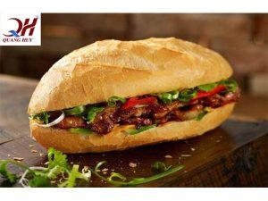 Bánh mì thịt nướng sài gòn được xếp vào hàng những món ăn đường phố ngon nhất thế giới