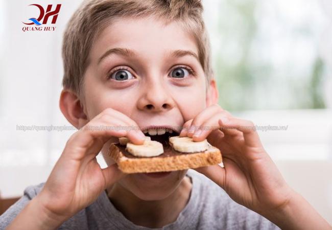 Bạn có thể thưởng thức bánh mì đen ngay tại nhà với dịch vụ giao hàng online