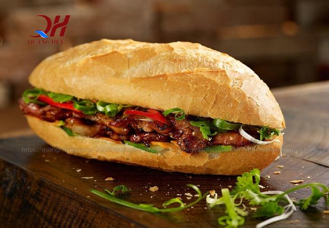 Nhờ nướng ở nhiệt độ chuẩn mà bạn cho ra được những chiếc bánh mì ngon