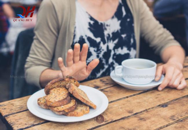 Tuy tốt cho sức khỏe nhưng bạn không nên quá lạm dụng việc ăn bánh mì