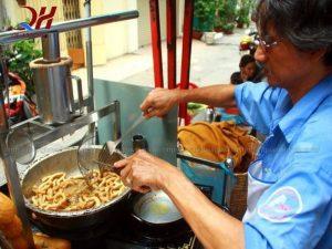 bộ bếp xe bánh mì chả cá rất tiện ích