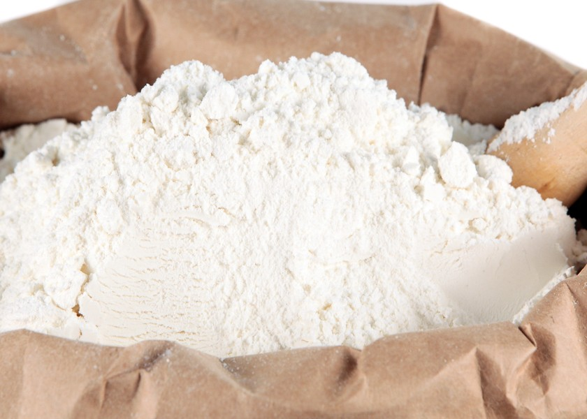 Chuẩn bị bột để làm bánh mì