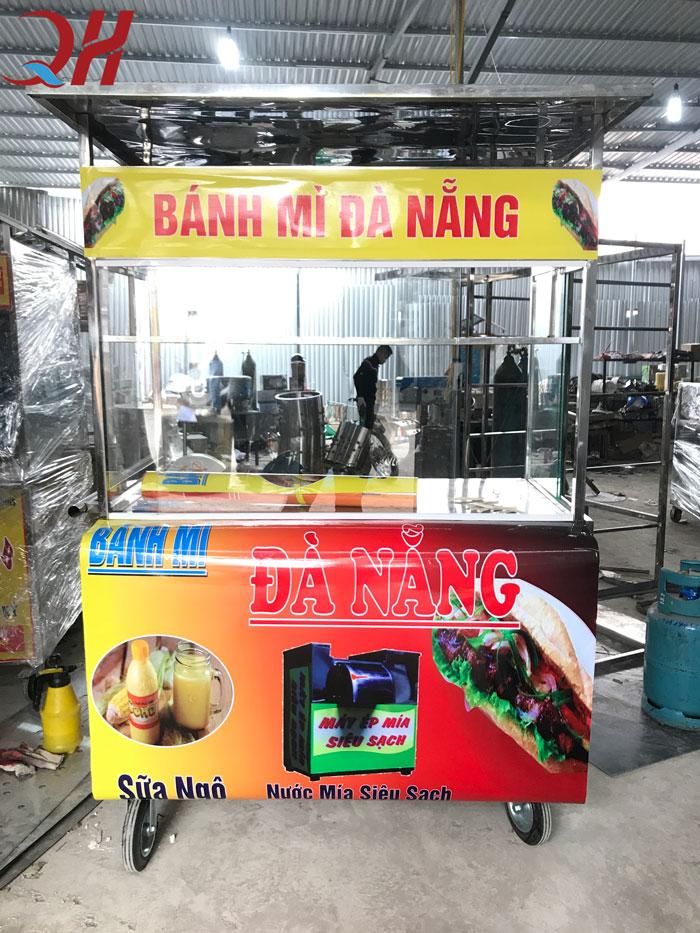 Xe bánh mì Quang Huy có thiết kế gọn gàng