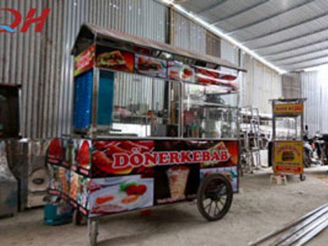 Khám phá xe đẩy bán xôi siêu tiện ích của Quang Huy