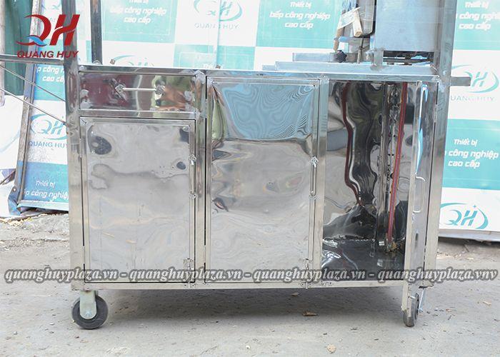 Xe bánh mì chả cá của Quang Huy được làm từ chất liệu Inox 304 chất lượng cao