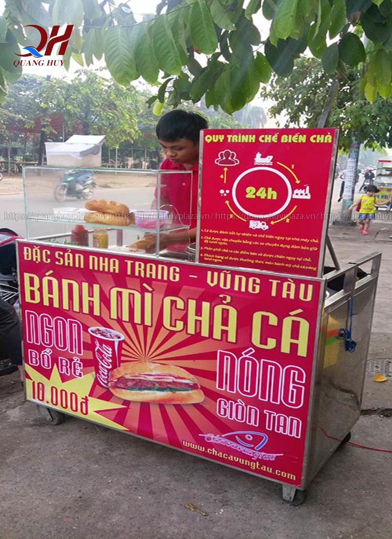 Xe bánh mì chả cá mini 1m có giá bao nhiêu?
