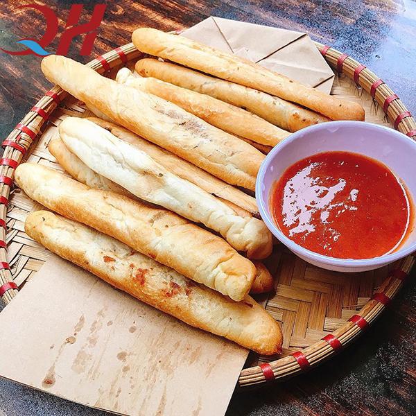 Vua bánh mì cay Hải Phòng ở Hà Nội