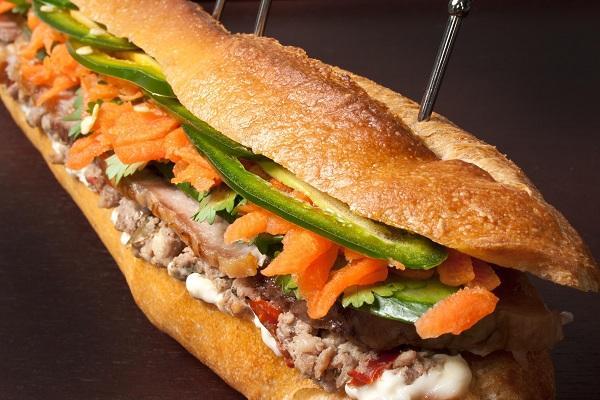 Bánh mì pate là món ăn được rất nhiều người yêu thích