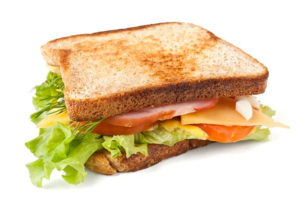 Hoàn thiện món bánh mì cho bữa sáng
