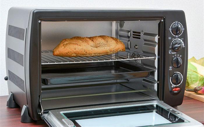 Có nên sử dụng lò vi sóng làm nóng bánh mì không?