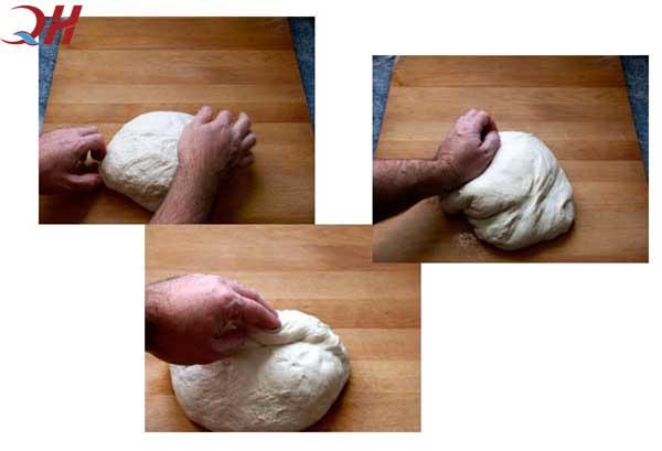 Nhào bột là khâu vô cùng quan trọng