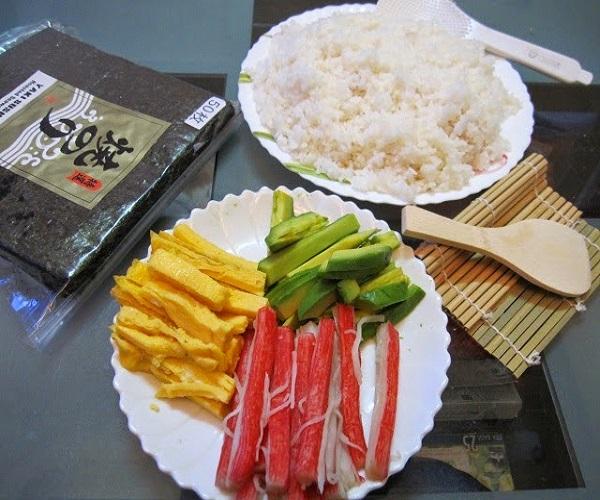 Nguyên liệu để làm cơm cuộn kimbap