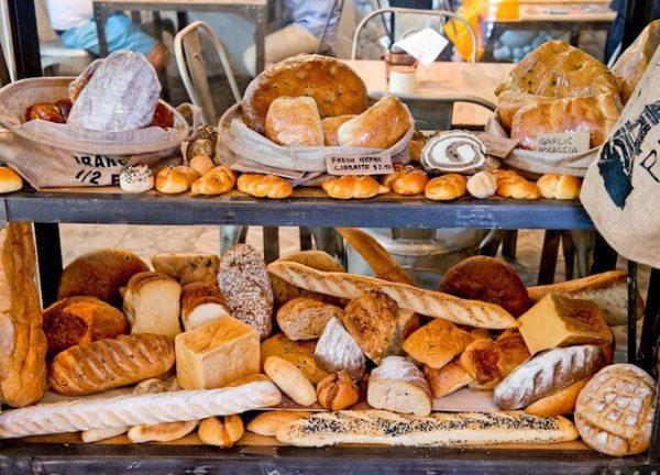 Mua vỏ bánh mì que tại các cửa hàng đại lí