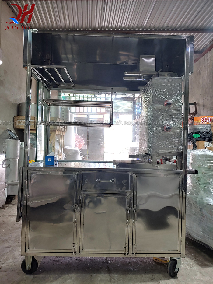 Với tủ bán bánh mì mẫu mới của Quang Huy bạn có thể dễ dàng di chuyển