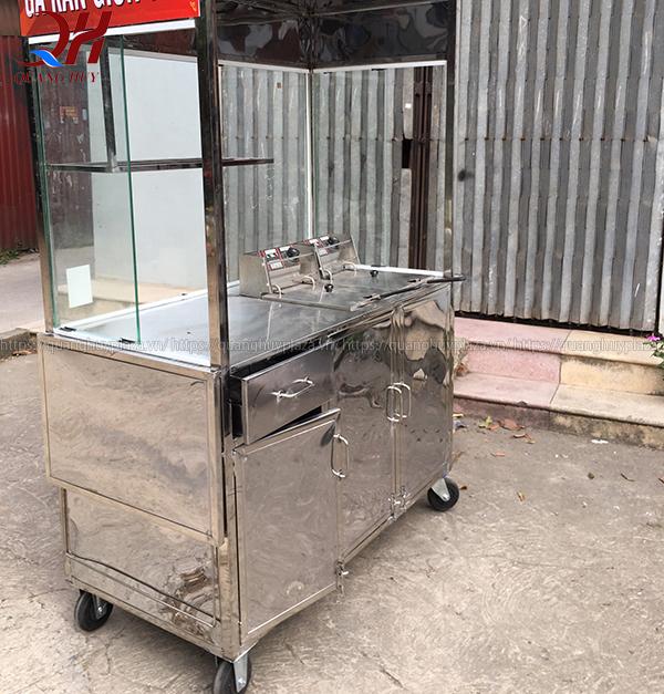 Xe bán gà rán Quang Huy được làm từ Inox chắc chắn
