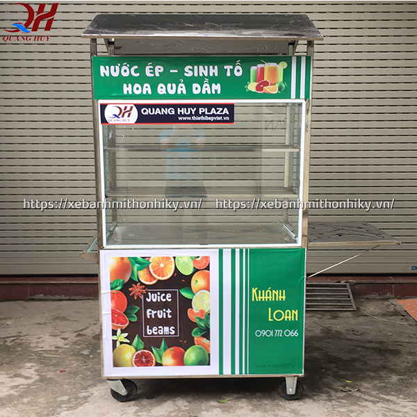 Xe bán nước ép sinh tố trái cây
