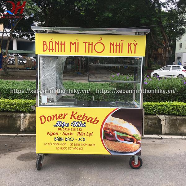 Xe đẩy bán bánh mì - người bạn đồng hành không thể thiếu