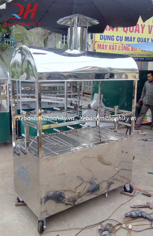 Xe nướng gà vịt Quang Huy được làm từ inox 304 cao cấp